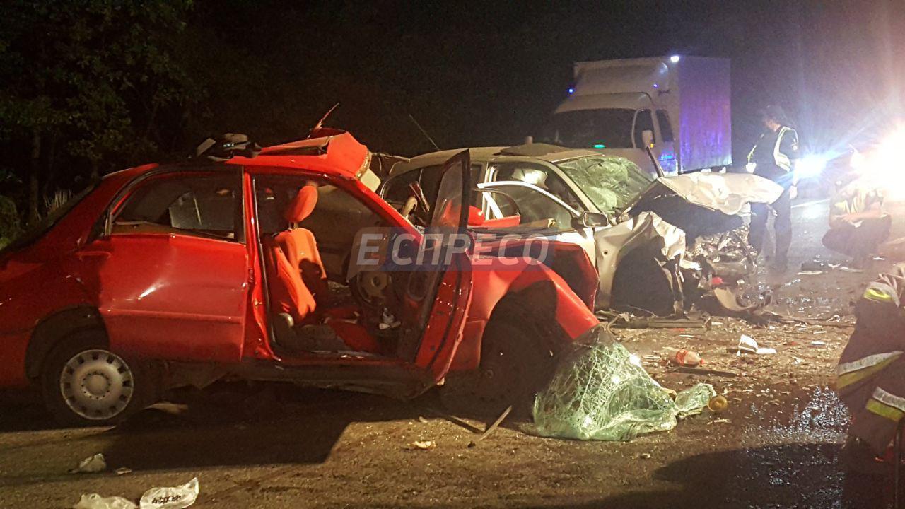 Под Киевом столкнулись две иномарки, два человека погибли, три — получили травмы