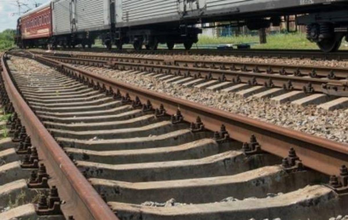 Новости Киевщины - На Киевщине с рельсов сошел грузовой поезд, узнали журналисты