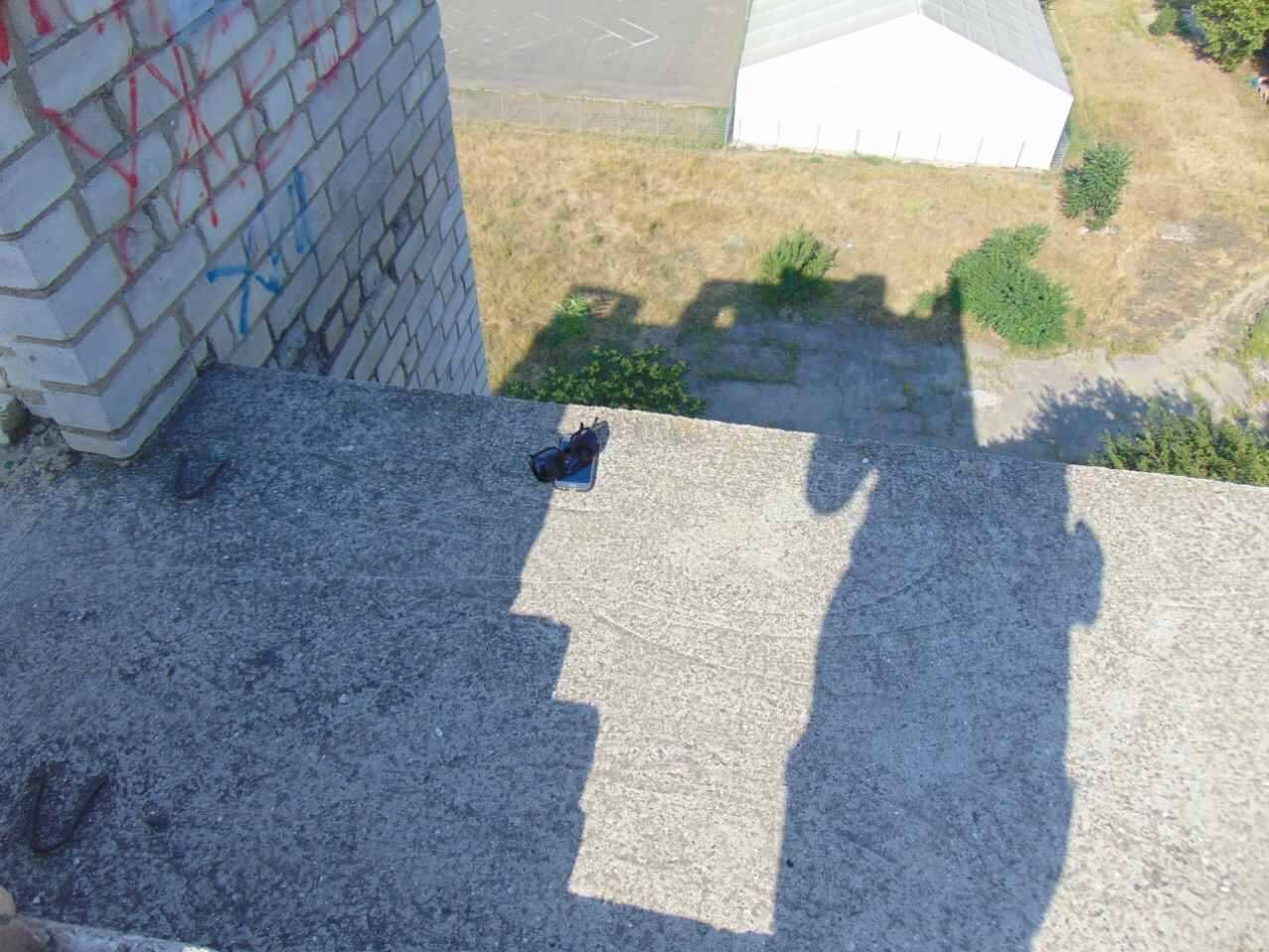 Трагедия в Николаеве. Узнав о самоубийстве возлюбленного, девушка прыгнула с крыши дома