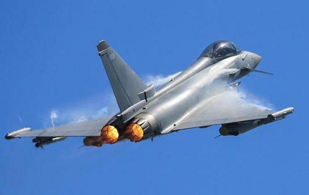 Истребитель Королевских ВВС Typhoon.