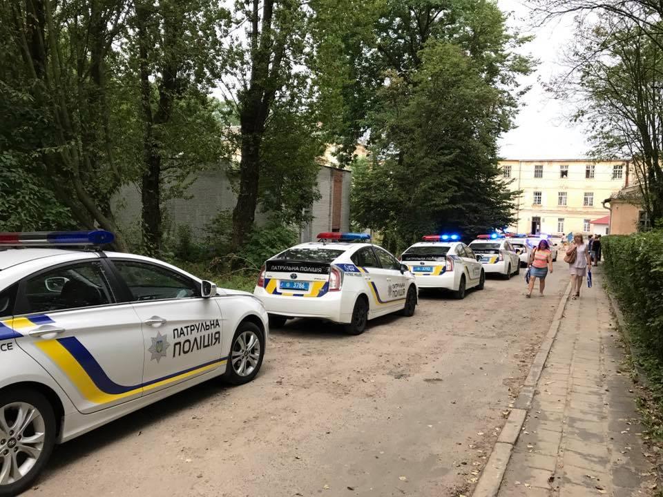 Во Львове полиция освободила 76 заложников, захваченных пациентом психбольницы, есть пострадавшие