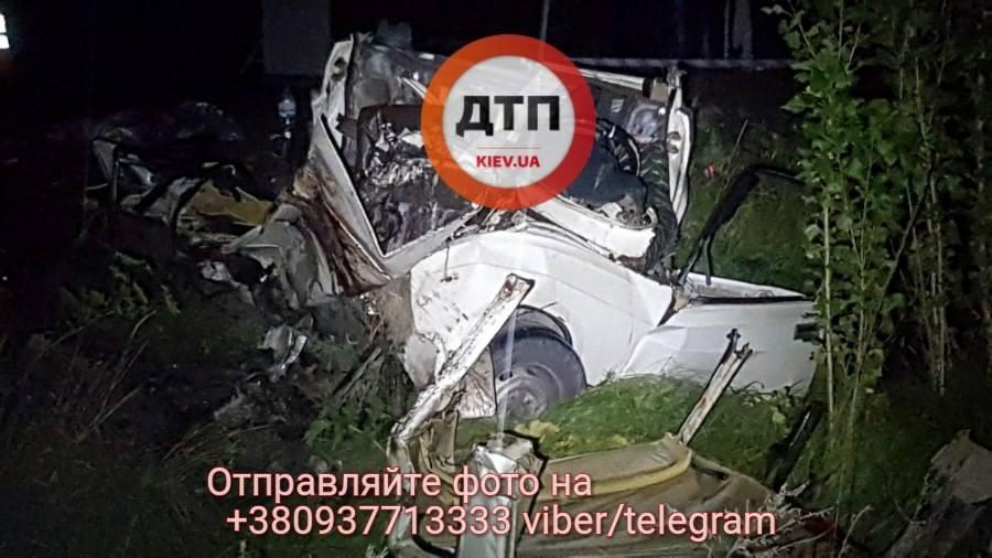 Жуткая авария под Киевом: шесть погибших, есть пострадавшие