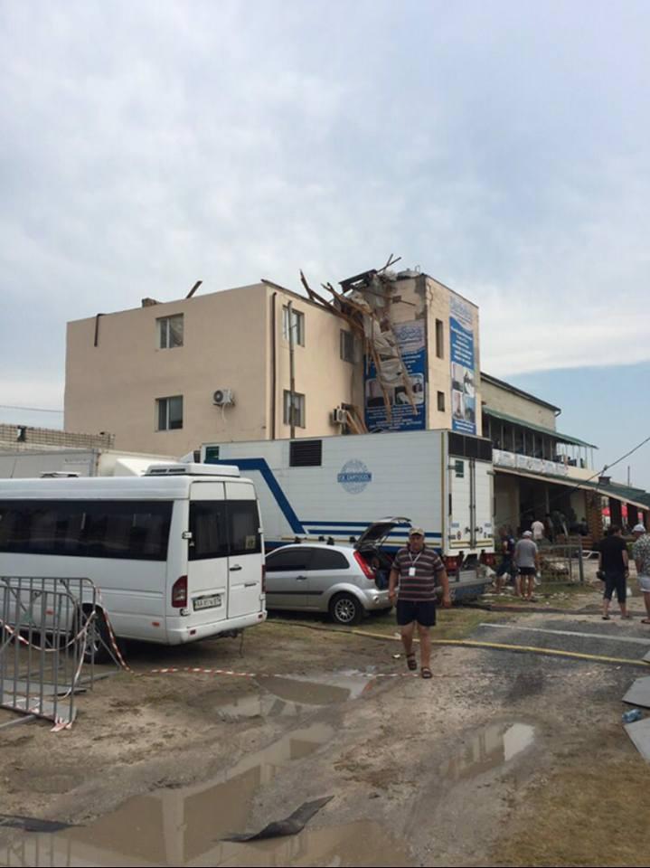 "В Скадовске пострадала гостиница ""Black Sea""."