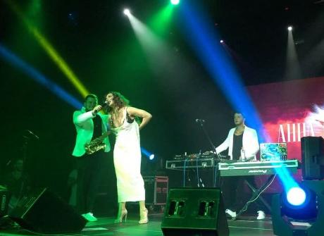 Анна Седокова на концерте в Казани