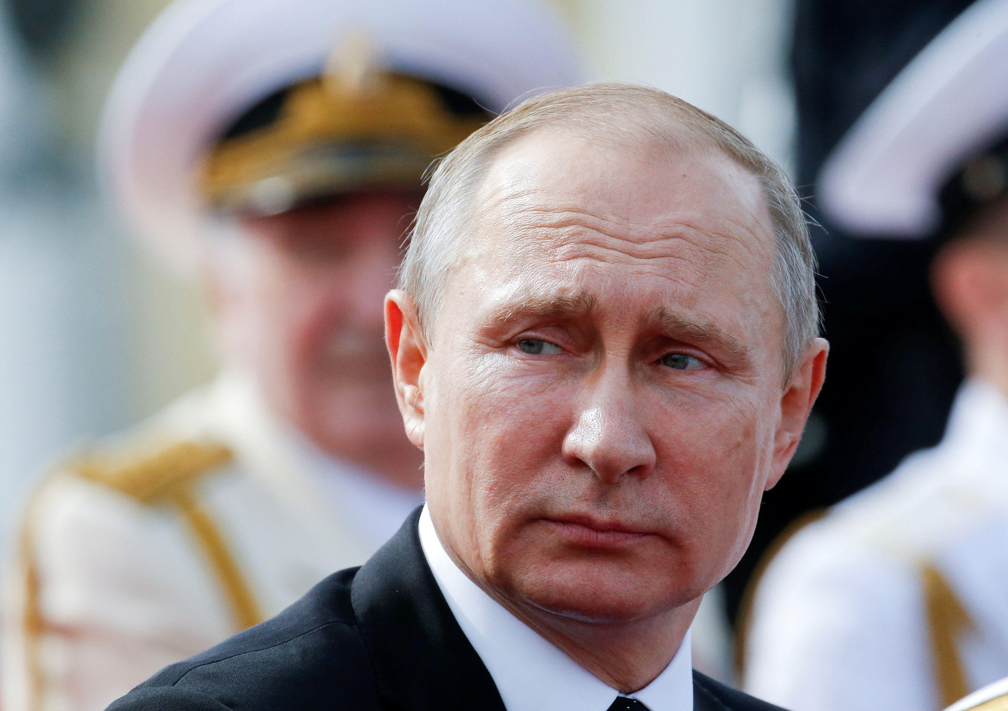Путин, военные