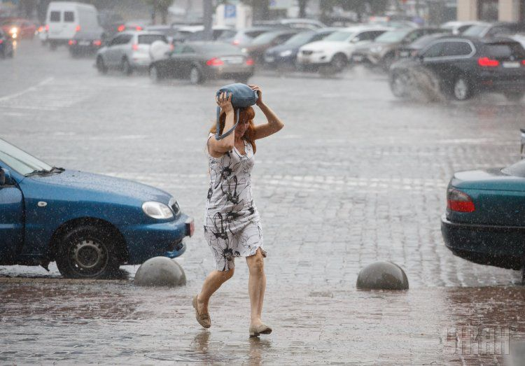 Украинцев ждут дожди с грозами