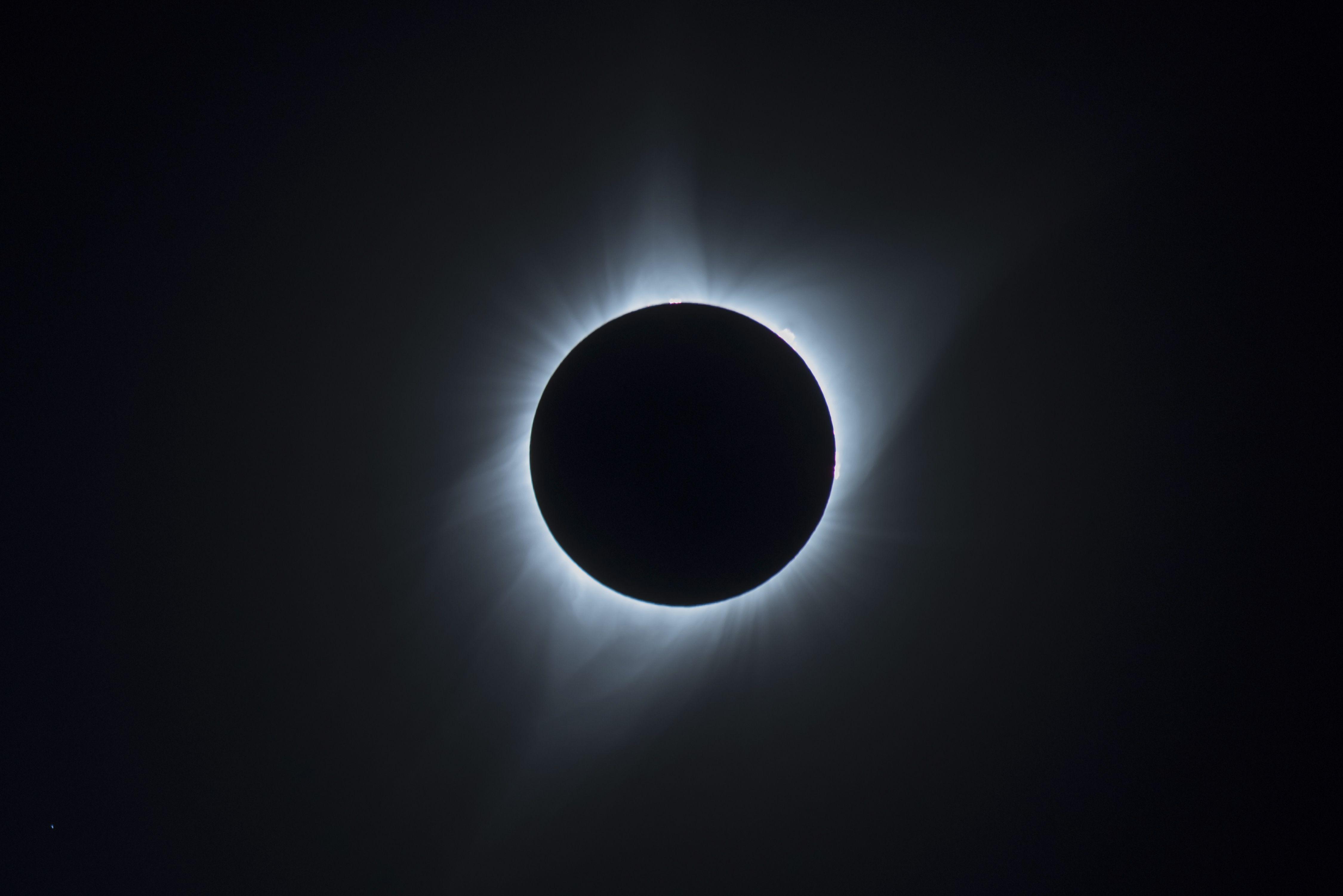 Что нельзя делать в затмение — Во время затмений лучше не нарываться, сообщила астролог