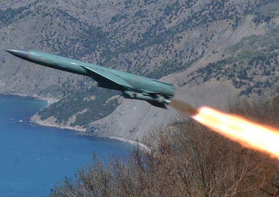 В Крыму оккупанты запустили крылатую ракету