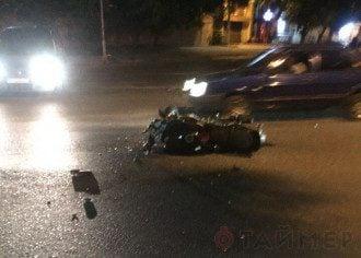 В Одессе водитель с документами майора СБУ сбил мотоциклистку протаранил три авто и сбежал