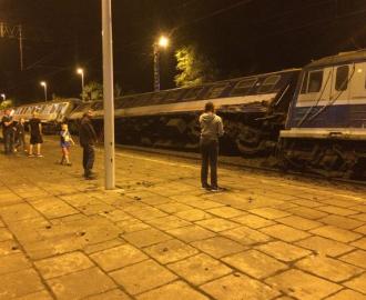 Последствия столкновения поездов, иллюстрация