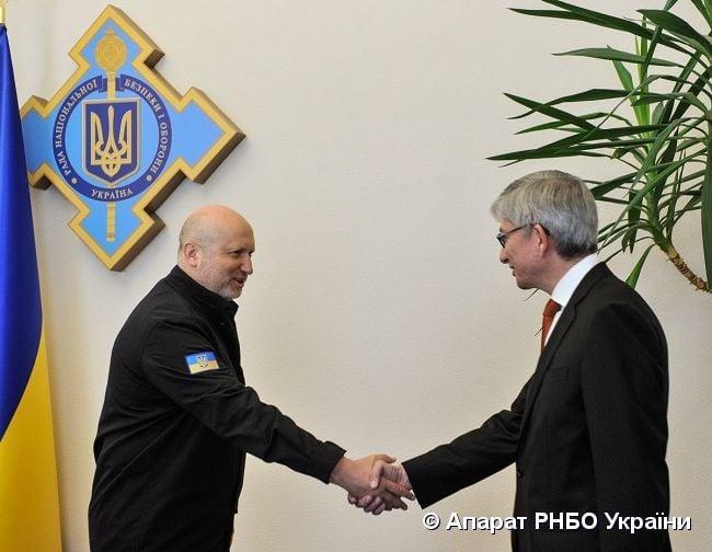Турчинов встретился в президентом ВКУ