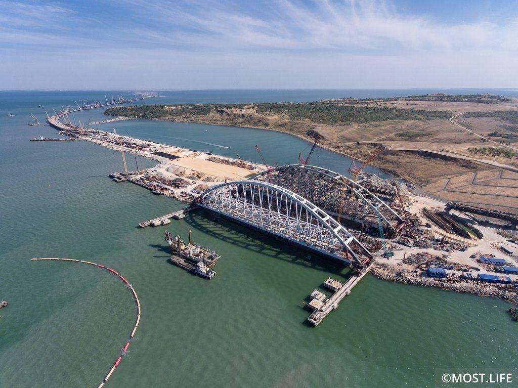 Строительство Керченского моста, иллюстрация.