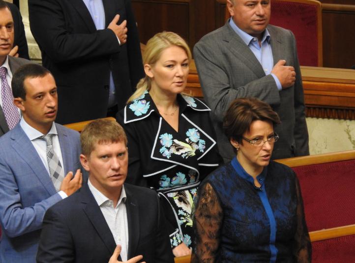 Мария Ионова в окружении коллег