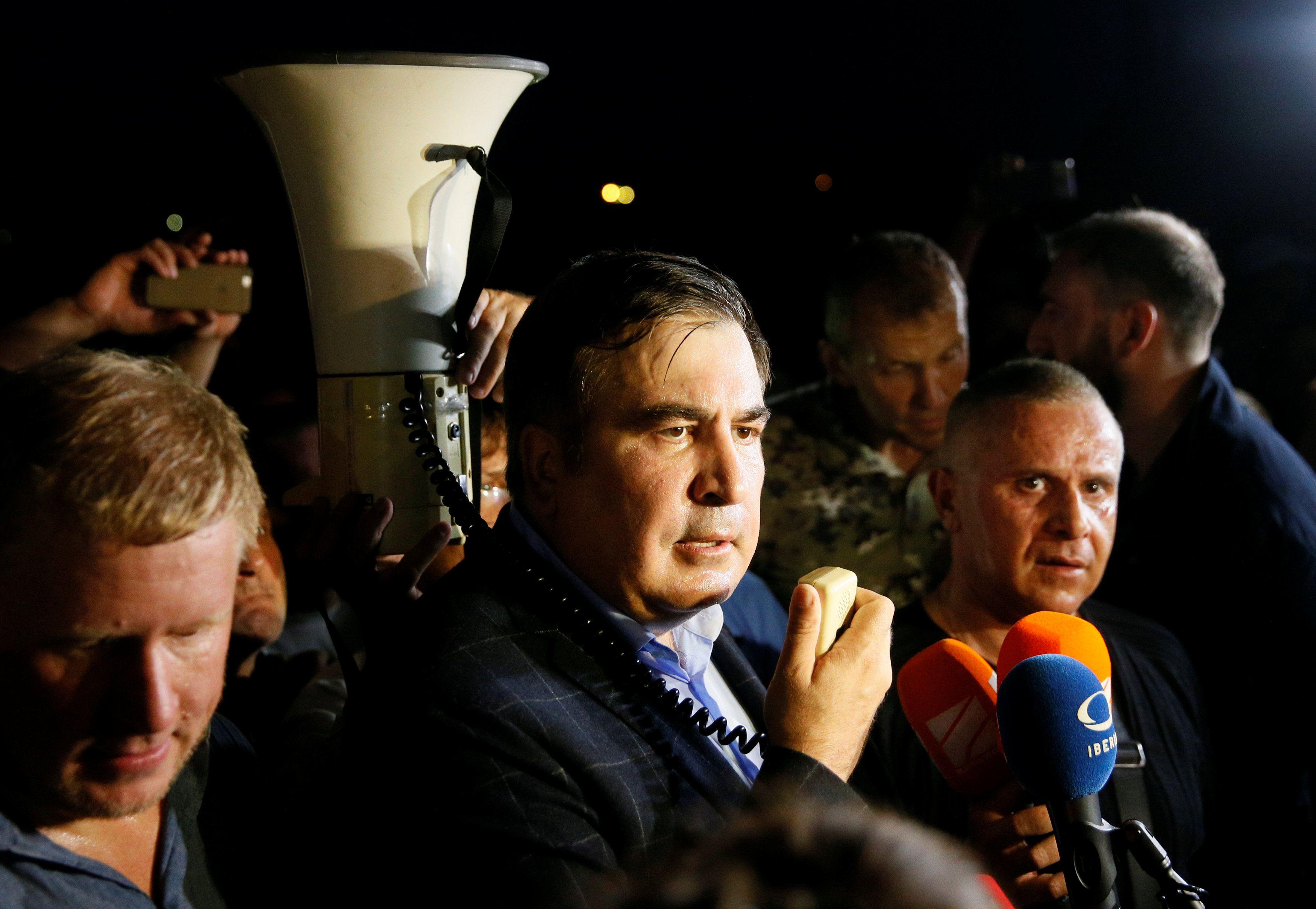 Михеил Саакашвили со сторонниками на польской границе