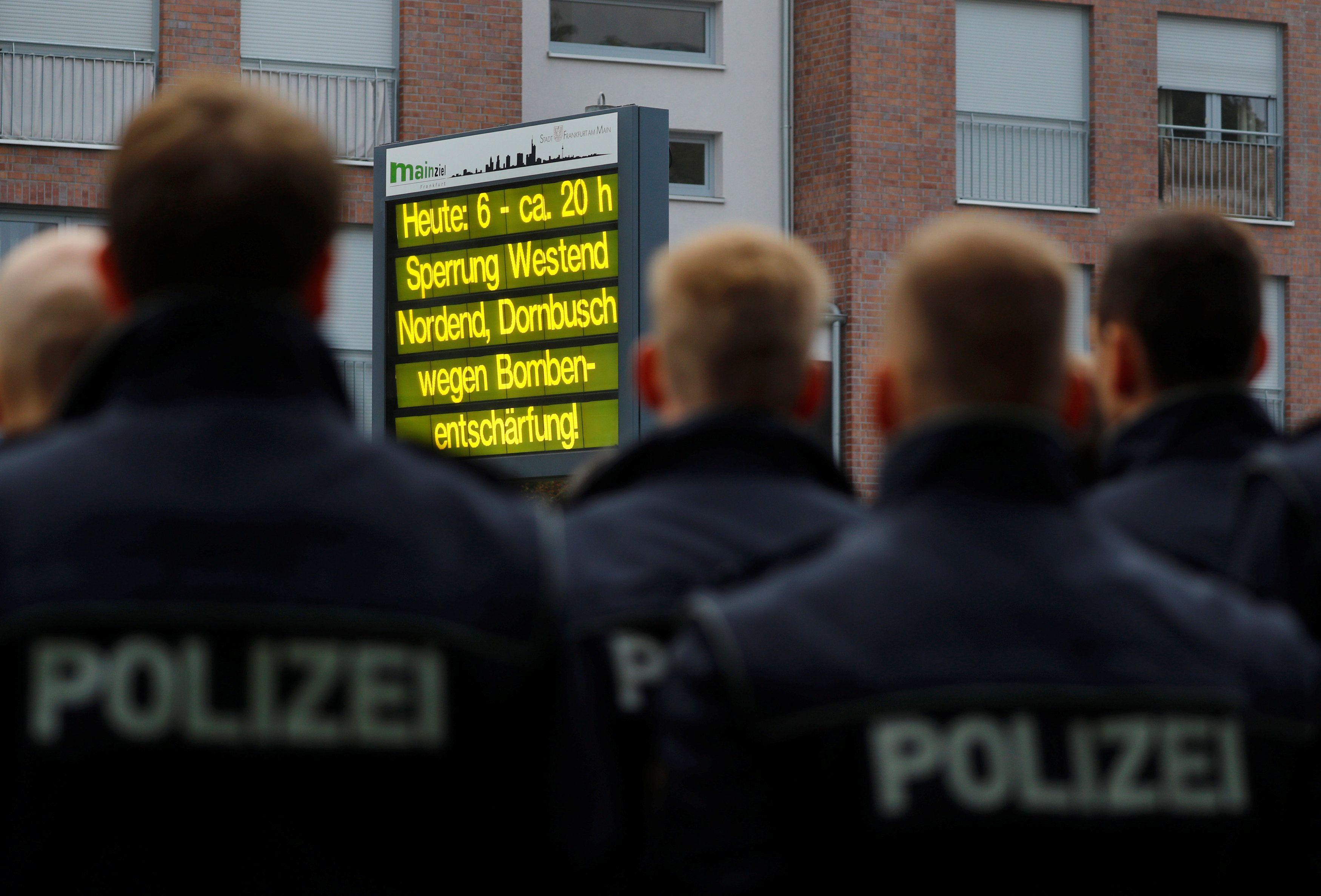 Правоохранители в Германии, иллюстрация