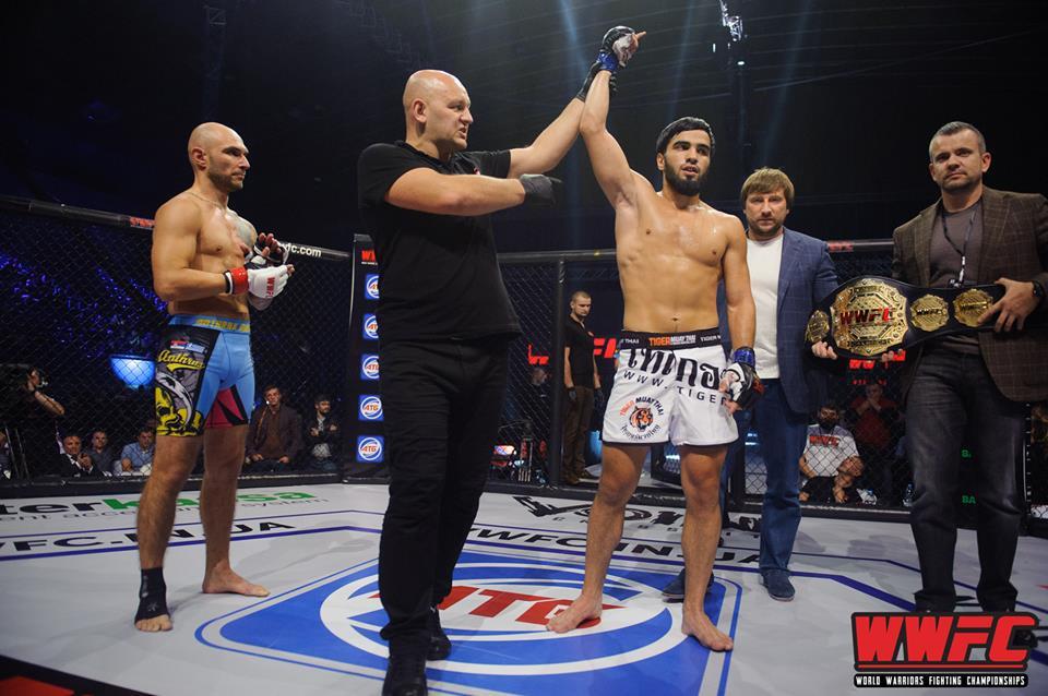 Хасан Асхабов отстоял принадлежащий ему чемпионский пояс