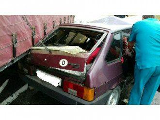 Renault не уступил дорогу ВАЗ-2109.