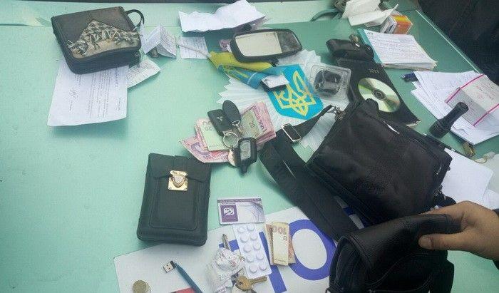 В Славянске поймали полицейских-вымогателей