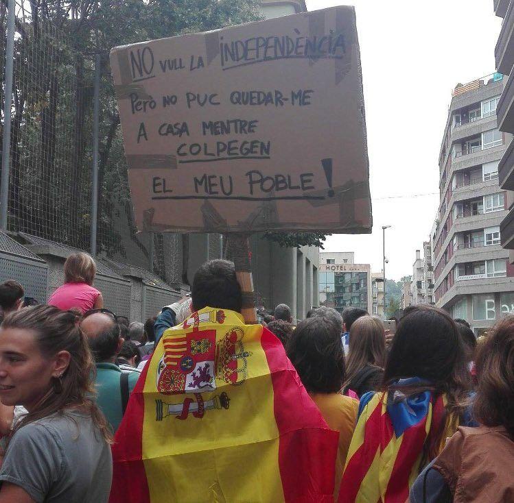 Надпись на каталанском: