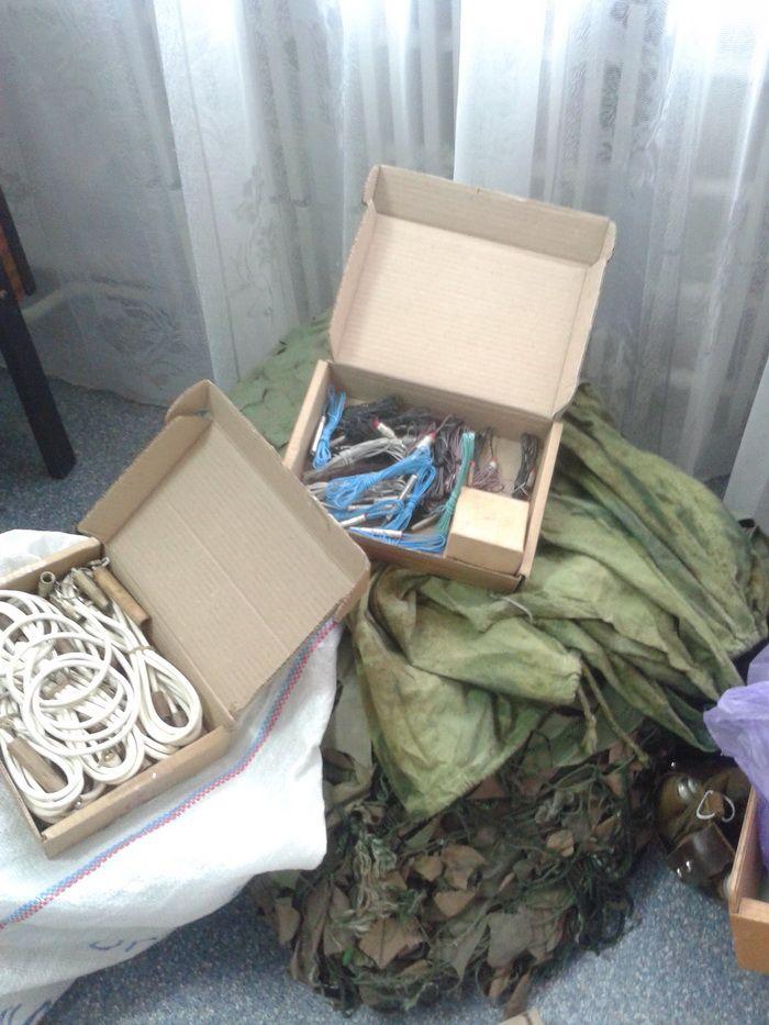Тротил, гранаты и тысячи патронов. На Луганщине накрыли тайник с боеприпасами и взрывчаткой