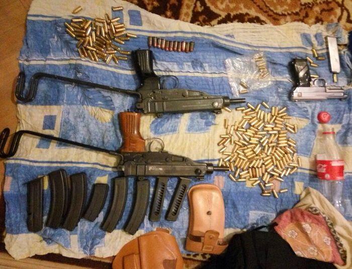 Задержаны члены банды торговцев оружием