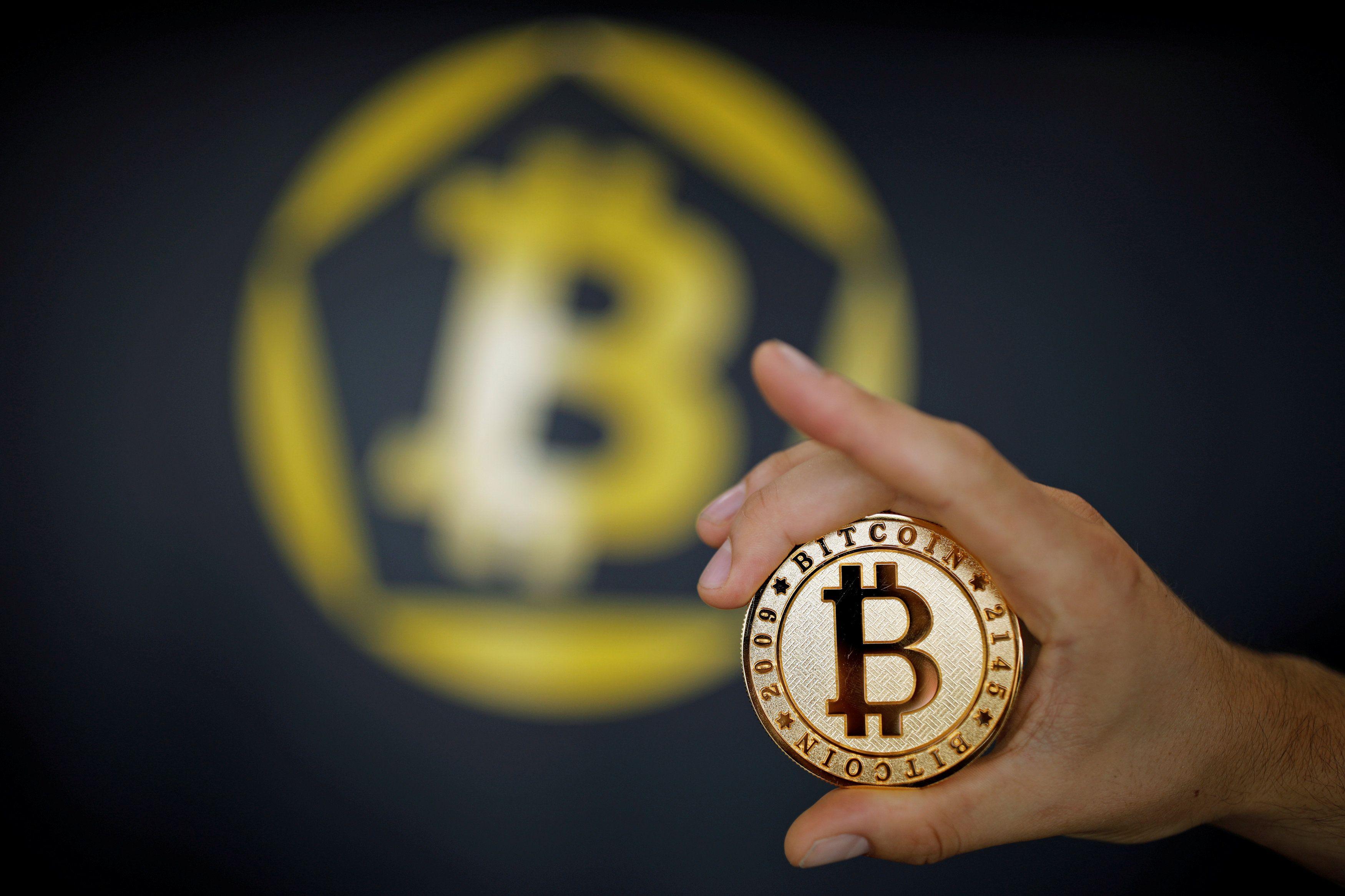 Мужчина подключился к беспроводной сети ресторана и потерял 100 тысяч евро криптовалюты