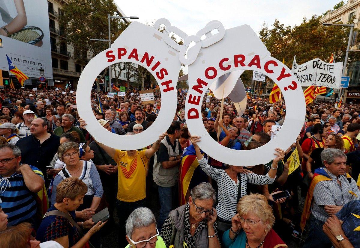 В Барселоне выступили в защиту независимости Каталонии