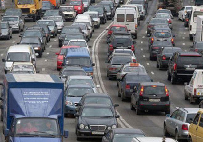 Пробки в Киеве перед 9 мая достигли 7 баллов