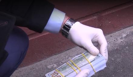 Деньги, полученные злоумышленницей за ребенка