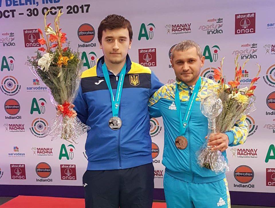 Павел Коростылев (слева) и Олег Омельчук (справа)
