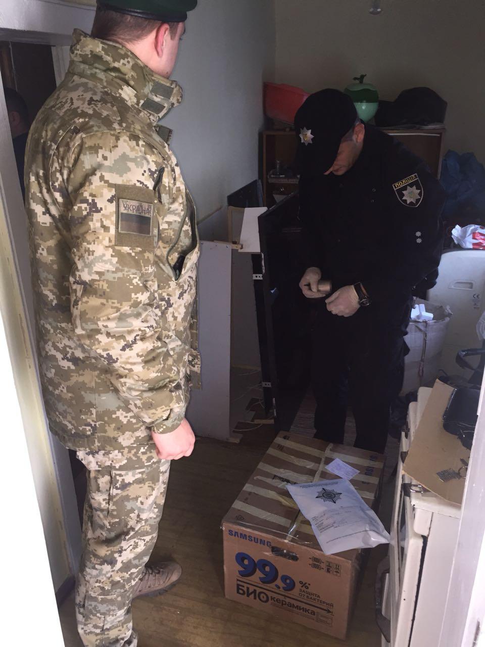 Психотропы отправляли контрабандой в ЕС. На Буковине накрыли банду накроторговцев