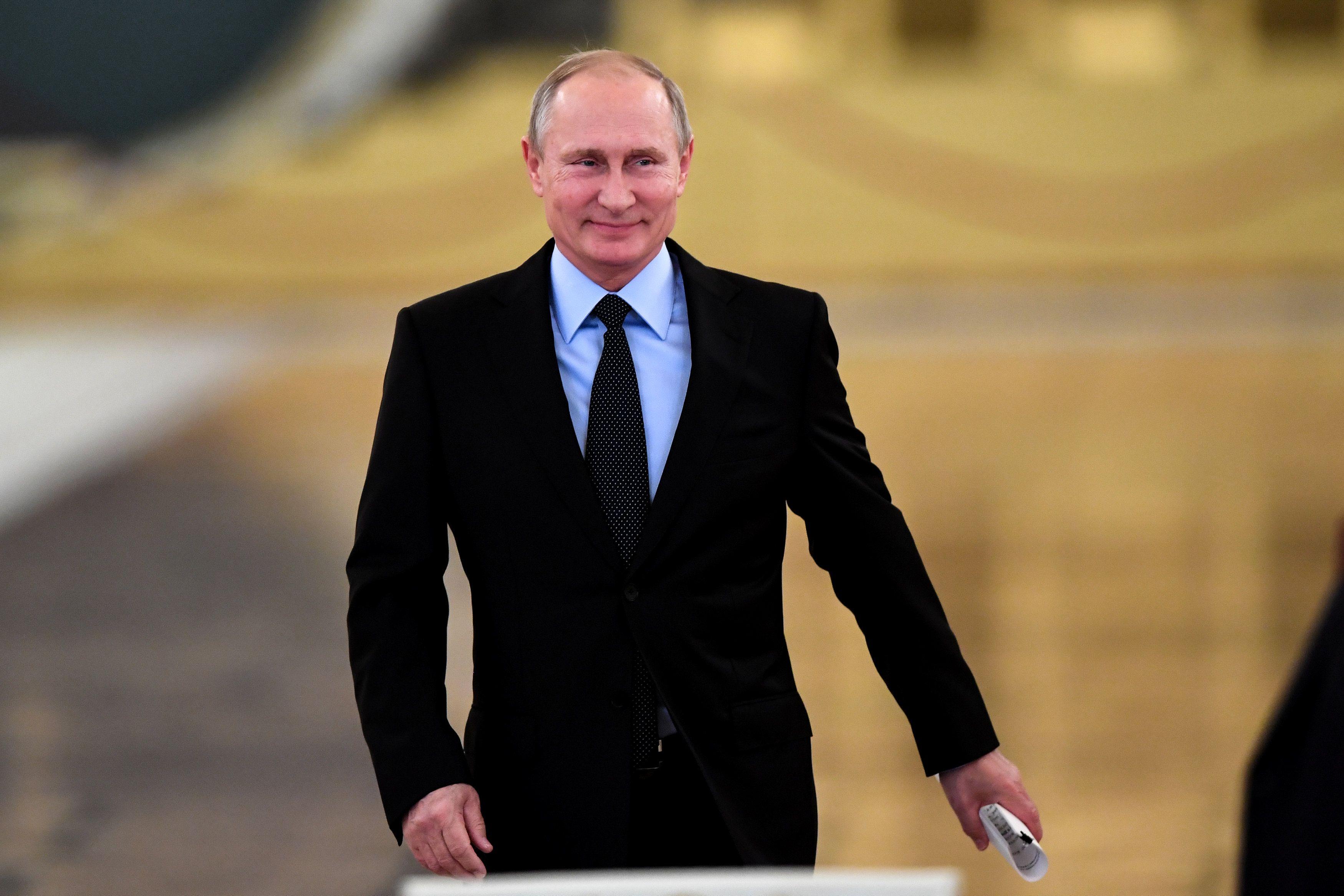 Для Владимира Путина миллиард долларов — это ничего, считает политик