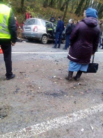 На Львовщине в результате ДТП с маршрутным автобусом пострадали семь человек