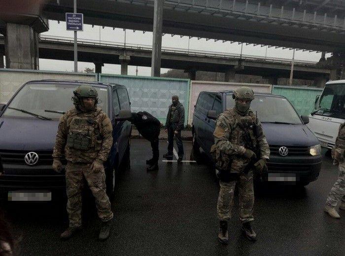 Задержание вооруженного россиянина