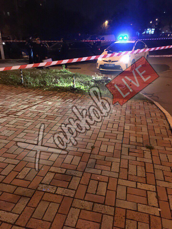 Две очереди из автомата. В Харькове киллер расстрелял Audi, есть погибший