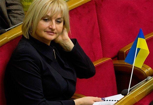 Луценко откидает обвинения