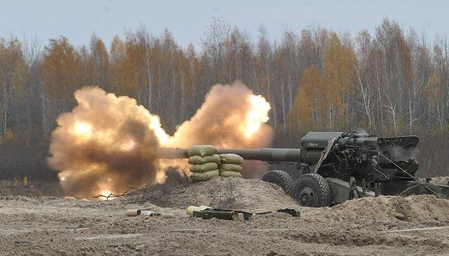 Под Киевом испытали дефицитные боеприпасы