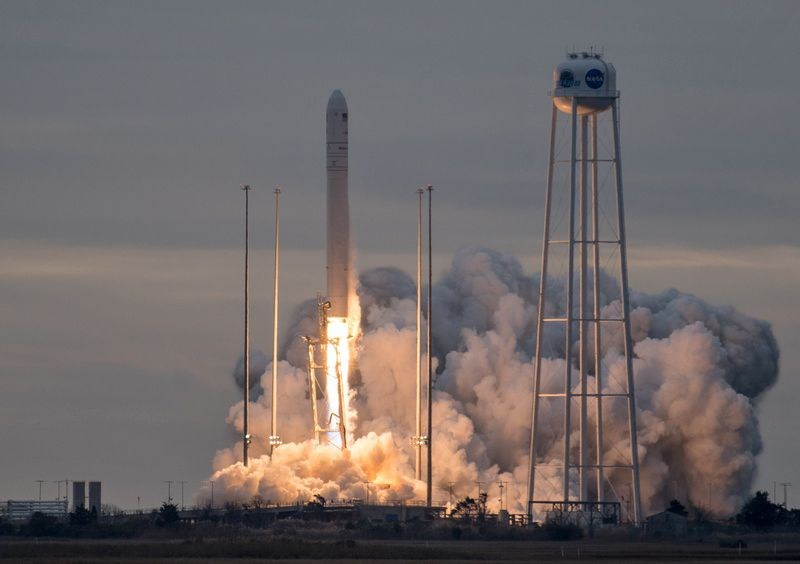 В США успешно запустили ракету Antares