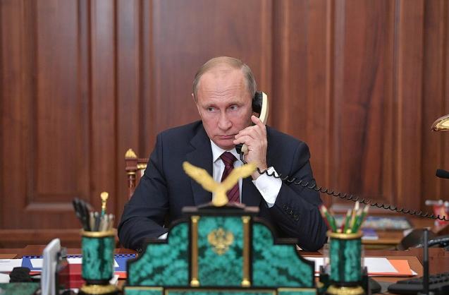 Путин перед выборами пытается набрать очки