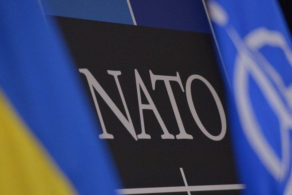 Украине стоит идти к членству в НАТО, считают в Эстонии