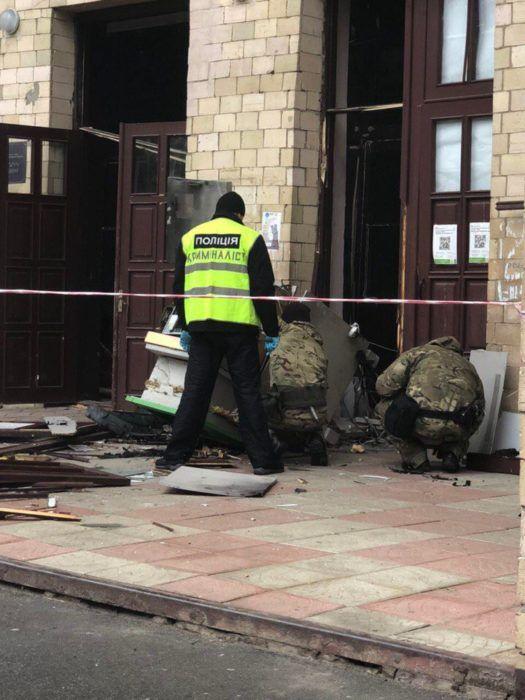 На Харьковщие взорвали и ограбили банкомат