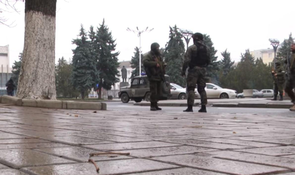 Военные РФ и наемники в Луганске