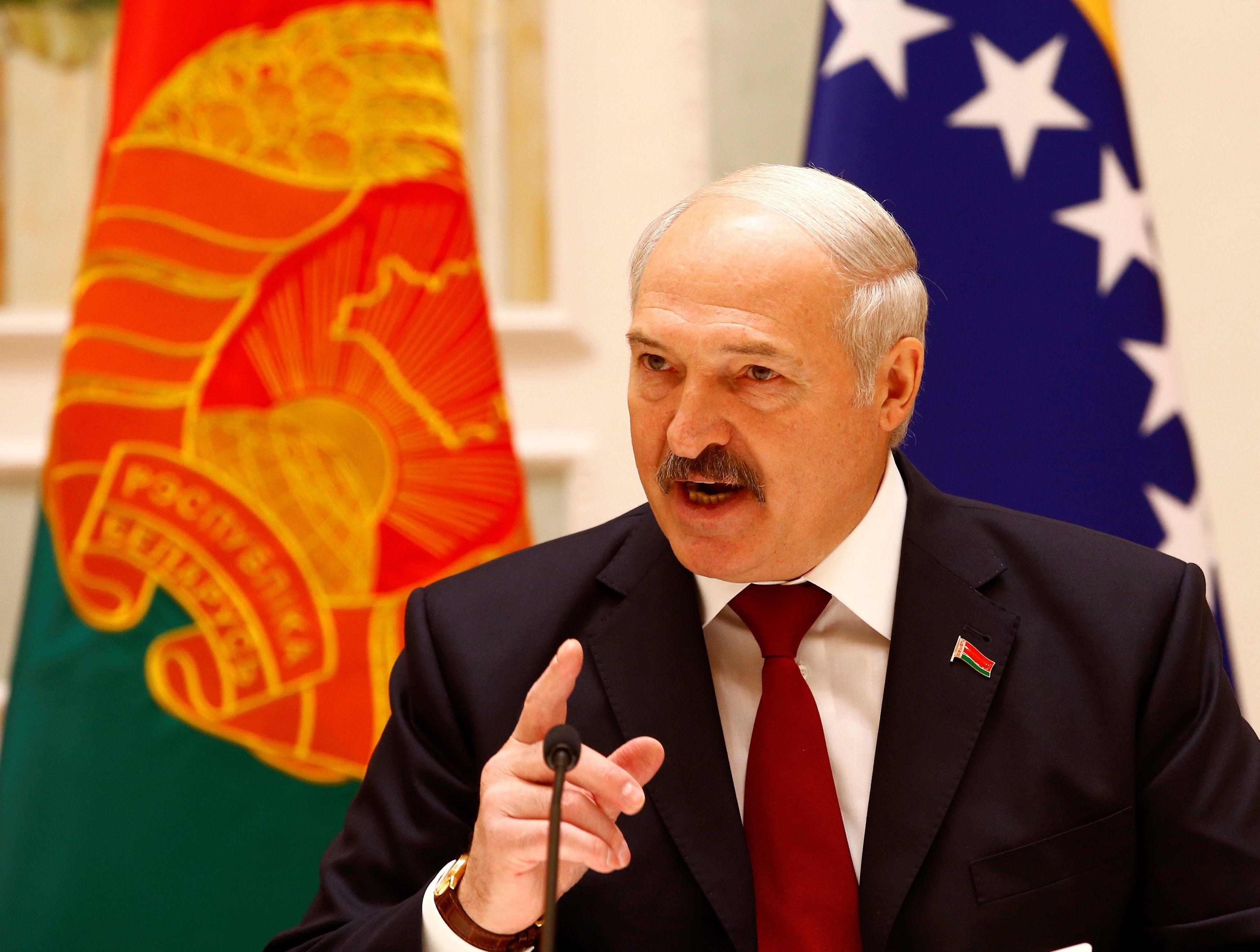 В Минске опровергли слухи об инсульте Лукашенко