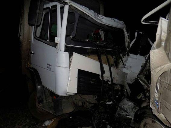 ДТП с грузовиками в Винницкой области. Mercedes на встречке протаранил Isuzu, погибли оба водителя