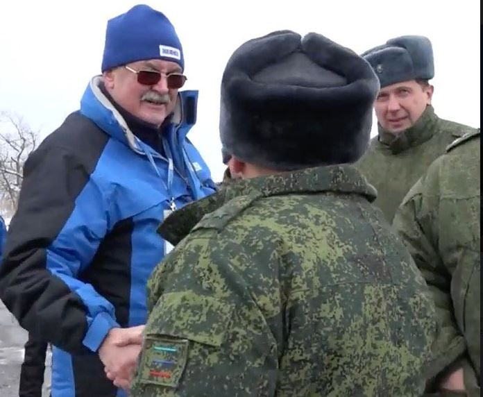 Наблюдатель ОБСЕ и боевик