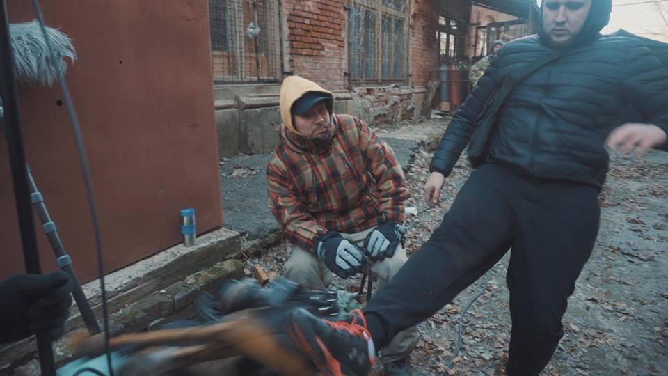 В Харькове активисты разгромили декорации к сериалу об НКВД, опубликованы фото