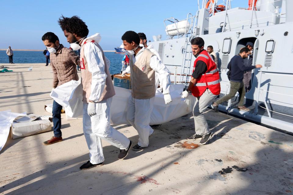 Известно о двух перевернувшихся лодках с мигрантами