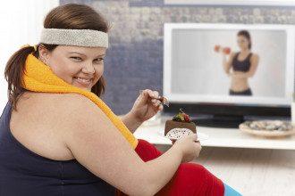 Как похудеть — Совмещение правильного питания и тренировок поможет быстрее добиться результата при похудении, посоветовала диетолог