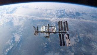 С МКС на Землю вернулись три члена экипажа.