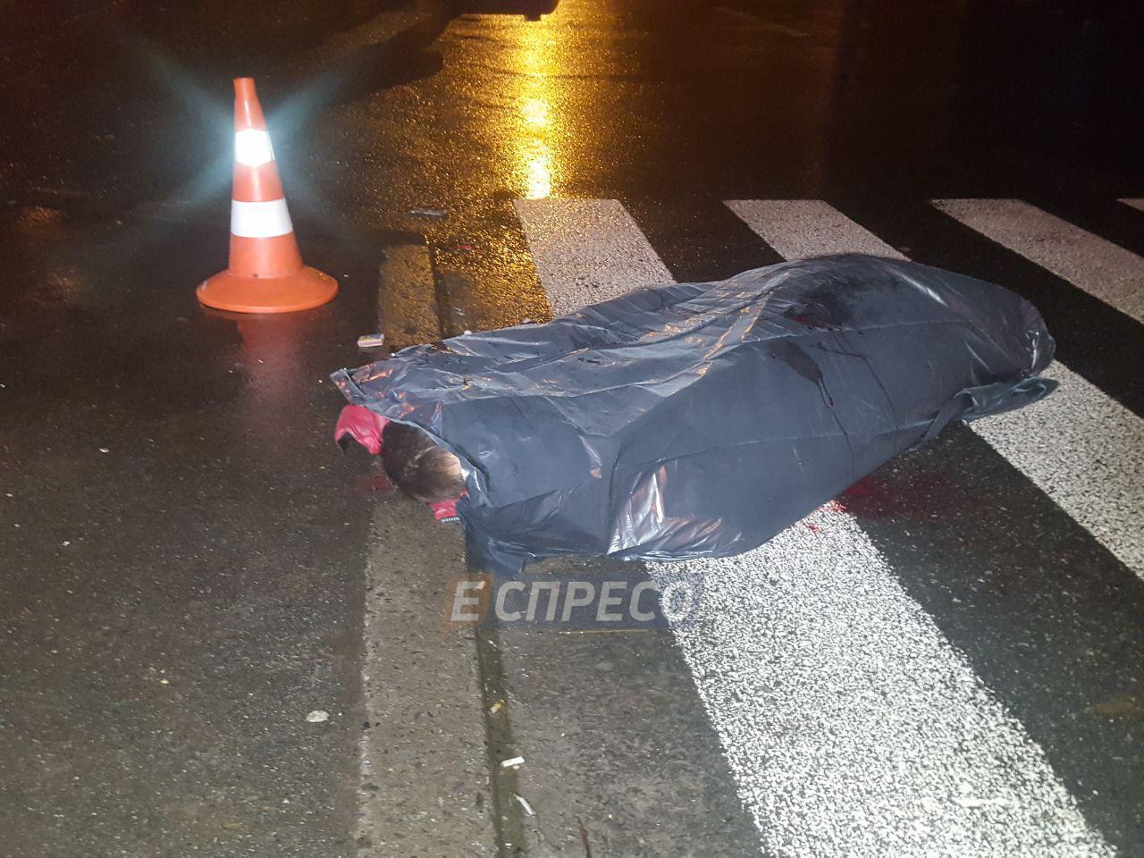 В Киеве авто насмерть сбило мужчину на пешеходном переходе и скрылось с места ДТП